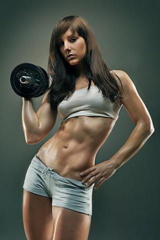 外人女性筋肉-320x481[1].jpg